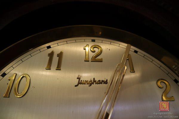 Đồng hồ cây junghans
