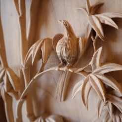 Chú chim được đục rất thần thái, tự nhiên