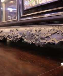 Chi tiết đục tay trên bệ dưới của tủ chè