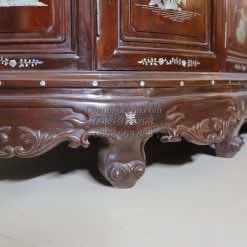 Chân của tủ rượu đẹp TRG005
