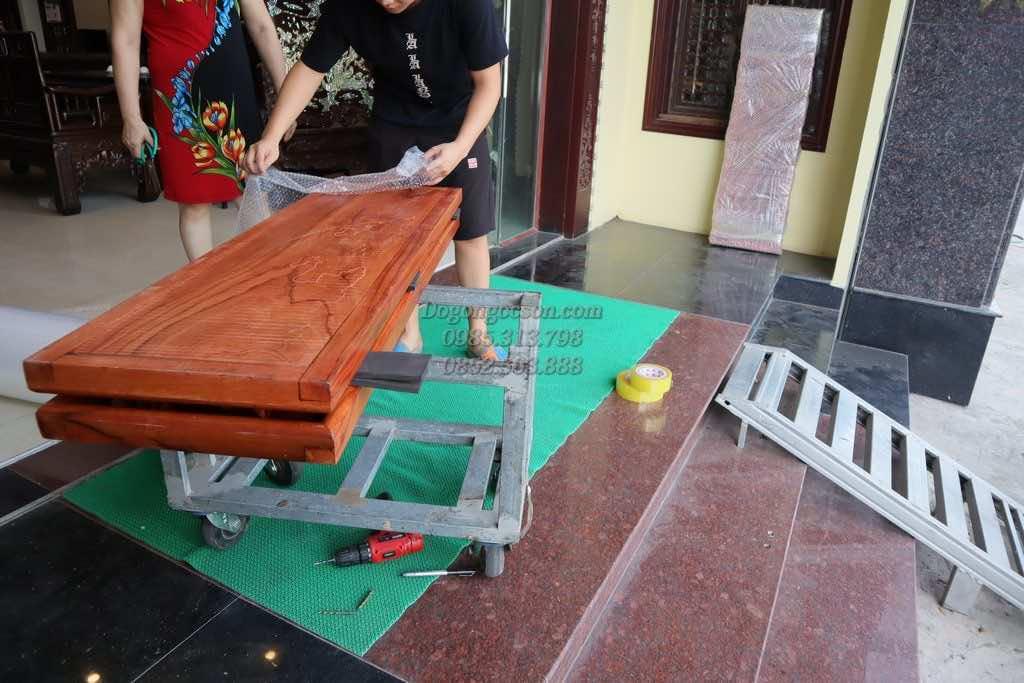 bàn giao tranh tứ quý gỗ