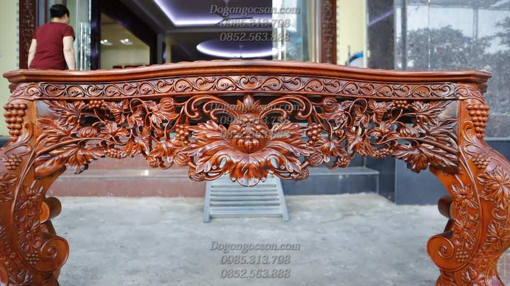 Chi tiết đục tay hoa lá tây kênh bong trên dạ bàn