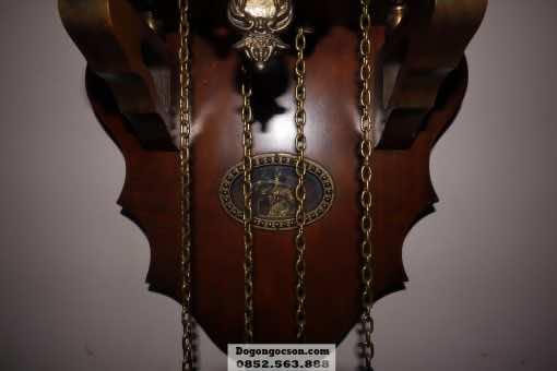Các chi tiết trên chiếc đồng hồ gỗ đẹp